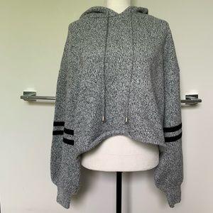 NWOT⭐️NEVER WORN⭐️Onzie brand sweater hoodie M/L.